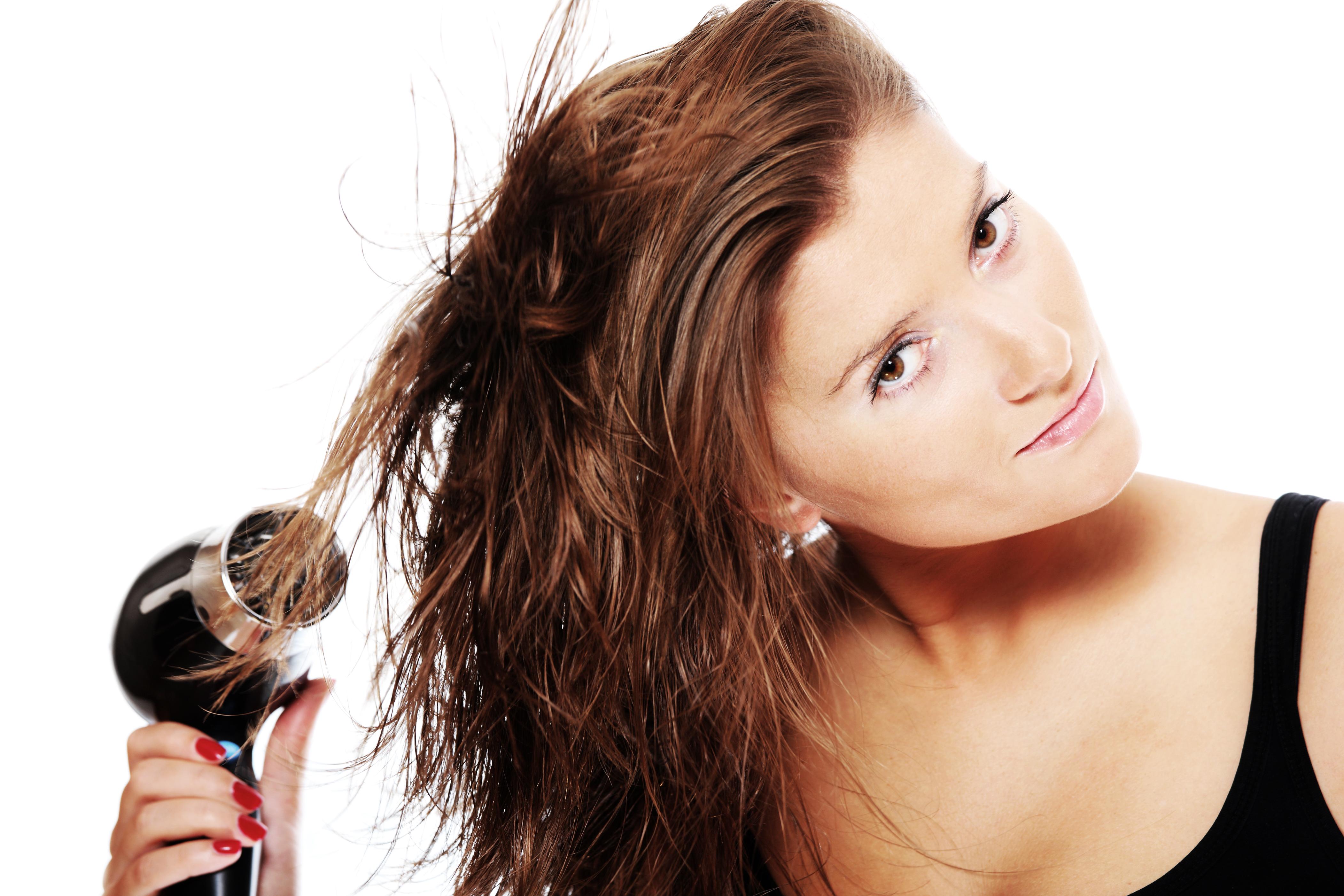 ¿Cómo se recomienda secar el pelo sin dañarlo?